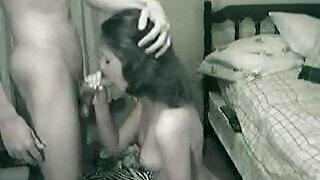 18 বছর বয়সী মেয়ে তার ভাই দ্বারা ওয়েবক্যাম উপর fucked