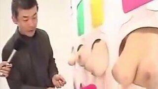 Fille japonaise creampied par son père